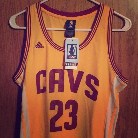 brand new 1350b e4b42 Women's Adidas LeBron James Cleveland Cavs jersey NWT